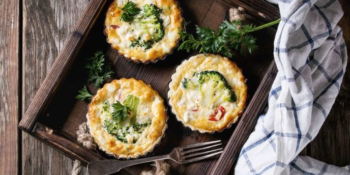 Baked quiche pie with greens