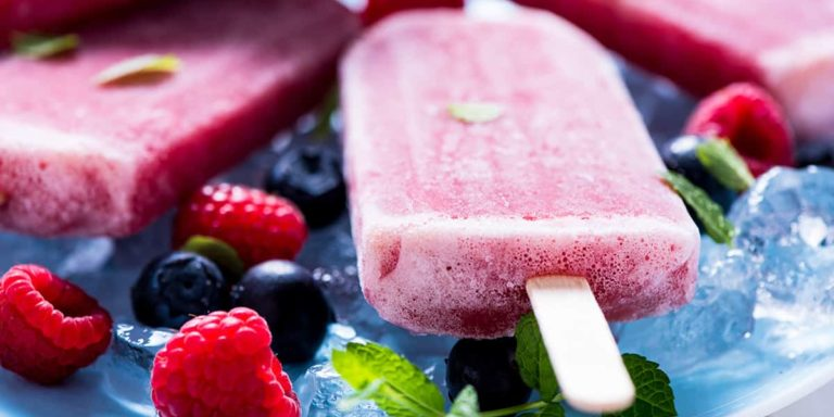 Refreshing popsicle with berry fruits