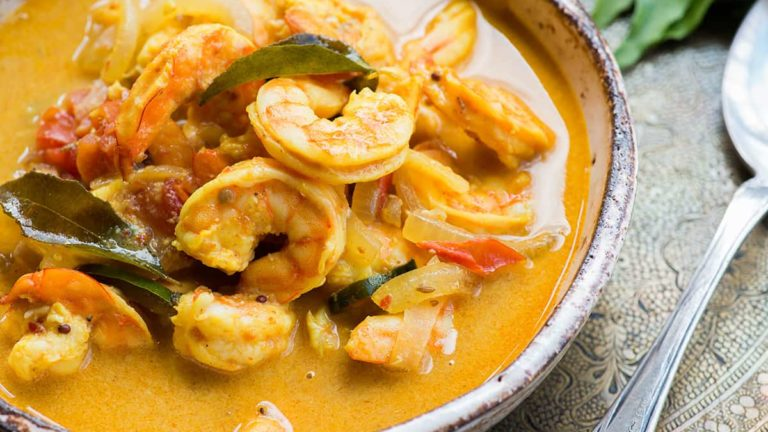 Spicy shrimp curry