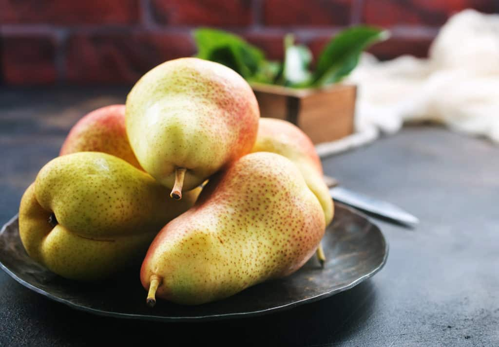 pear walnut salad recipe