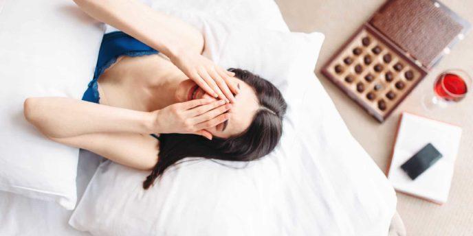 woman-rubbing-head